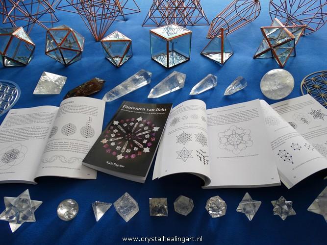 fantomen-van-licht-niels-bagchus-heilige-geometrie-levensbloem-merkaba-platonische-lichamen-phi-vogel-kristal-224