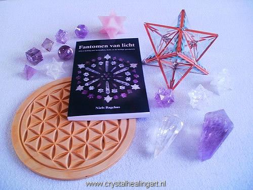 Fantomen van licht boek kristal licht heilige geometrie levensbloem flower of life platonische lichamen phi vogel kristallen merkaba